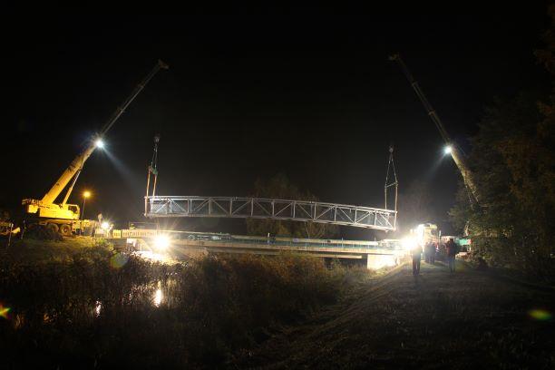 Radwegbrücke über die Zarow bei Grambin