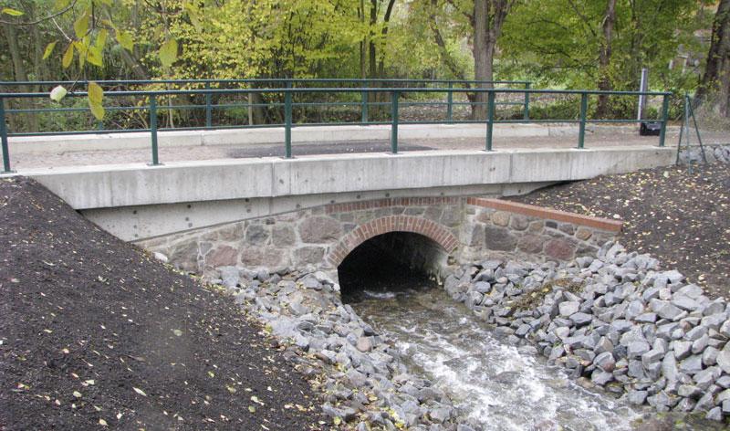 Brücke über den Salveybach im Zuge der K 7355 bei Geesow