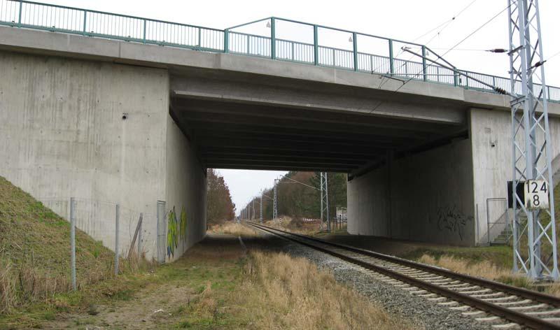 Brücke über die Gleisanlagen der DB AG im Zuge der BAB A 19 bei Nienhagen
